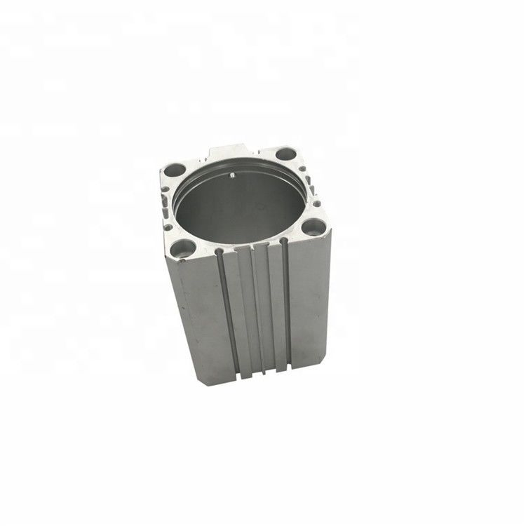 银白色铝挤压型材
